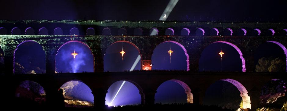 I03-le_chant_des_sirenes_spectacle_pont_du_gard